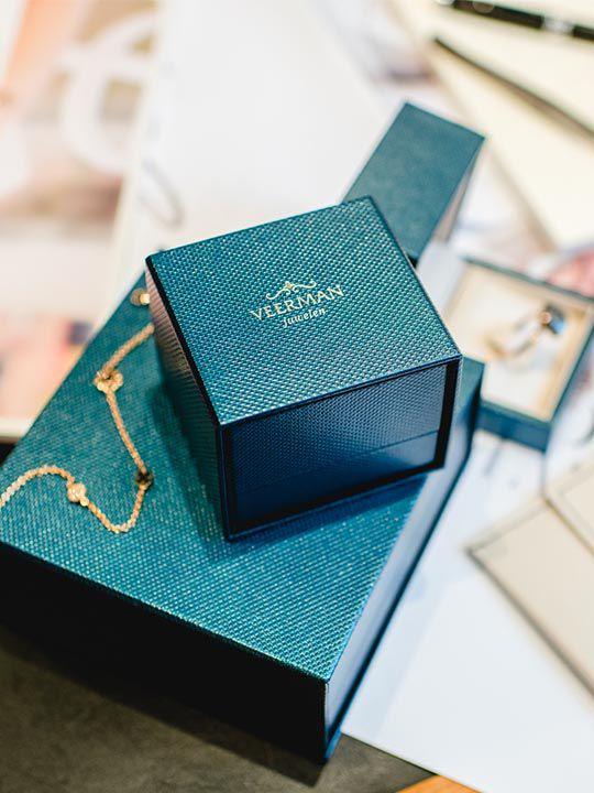brede bicolorgouden ring met diamant 4