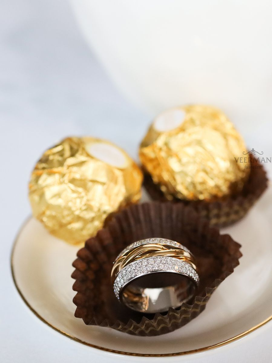 brede bicolorgouden ring met briljant 087crt 2
