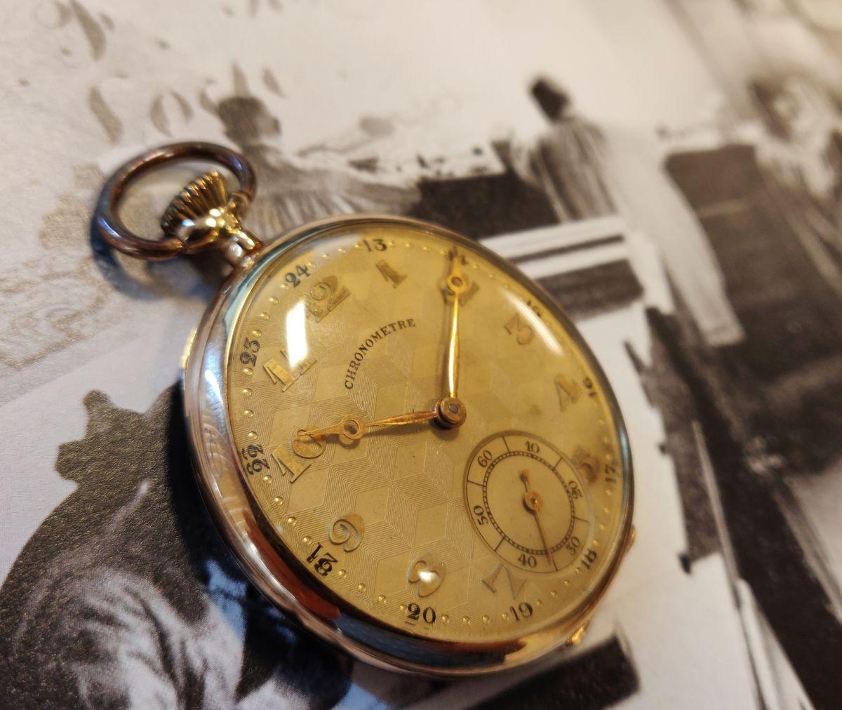 geelgouden zakhorloge chronometre 3