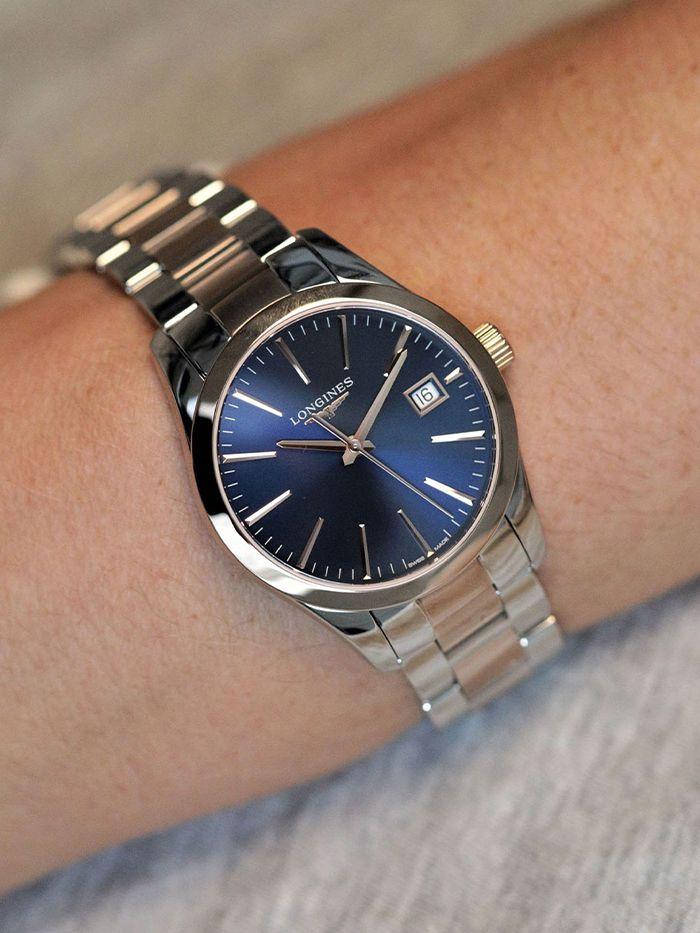 longines conquest classic horloge l23863927 2