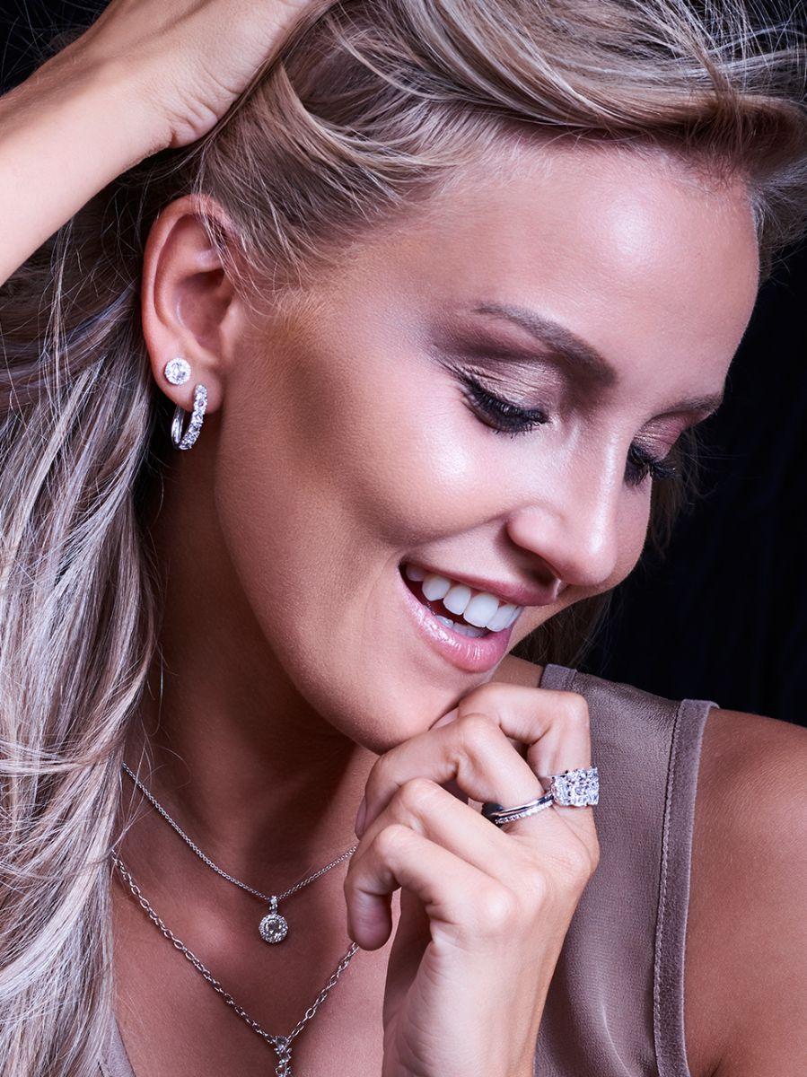 taille roos witgouden oorstekers met diamant