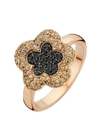 Typical Roos ring bloem